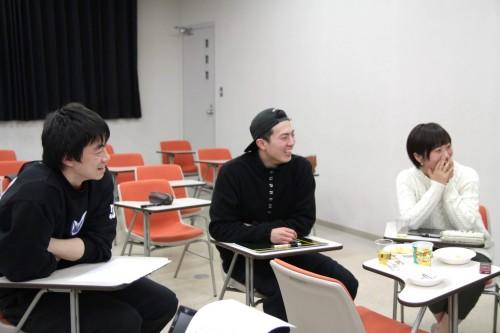 ※伊澤選手(左)、中村主務(右)が同じ回答をしてしまうくらいおしゃれな黒埼選手(中)
